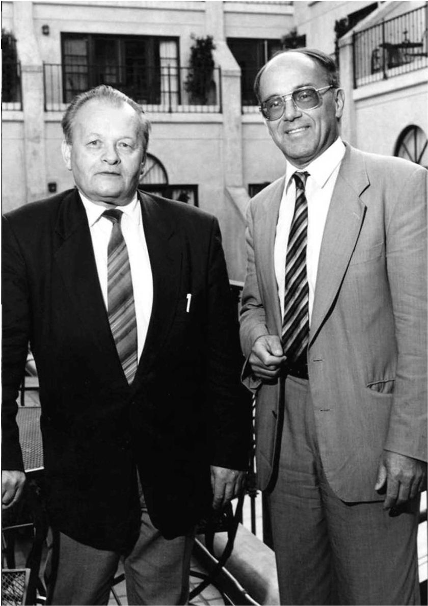 Antonín Holý s belgickým virologem Erikem De Clercqem v roce 1975